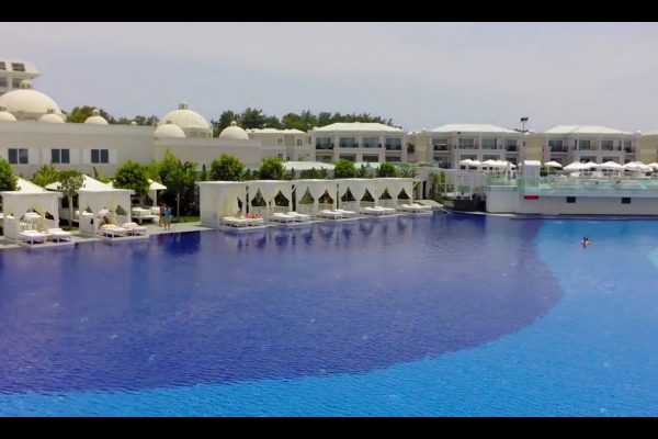Titanic Deluxe Resort